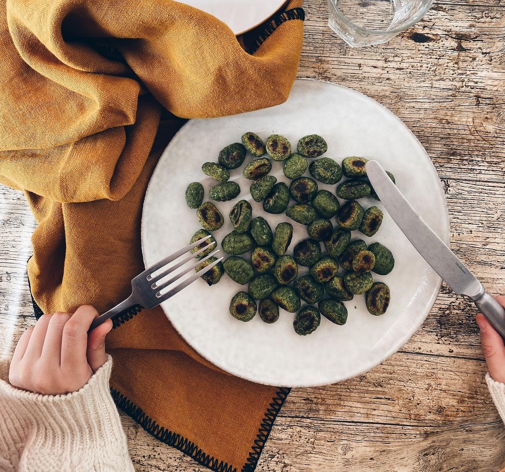 Gnocchis veganos de espinacas